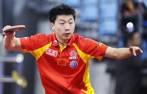 台球:[乒乓球]男乒3-0中国香港马龙紧盯来球图文让点图片