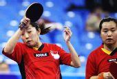图文:新加坡女乒3-1欧洲 于梦雨正手拉球