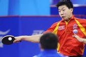 图文:[乒乓球]男团3-0韩国夺冠 马龙抽击