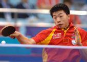 图文:[乒乓球]男团3-0韩国夺冠 马龙全身发力