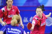 图文:中国香港女团3-0欧洲 帖雅娜抢身进攻