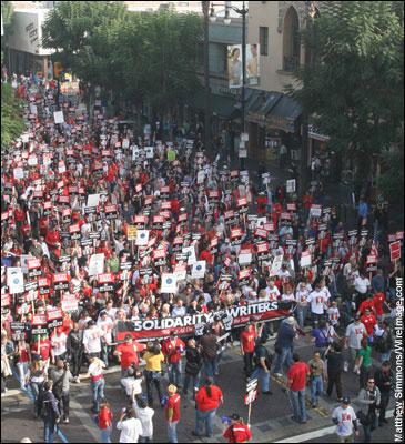 声势浩大的罢工队伍