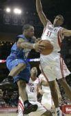 图文:[NBA]魔术VS火箭 巴蒂尔防守