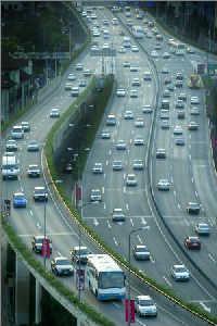 2006年10月8日,延安高架。鲁海涛早报资料