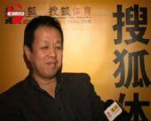 图文:上海申花总顾问张德发做客 滔滔不绝