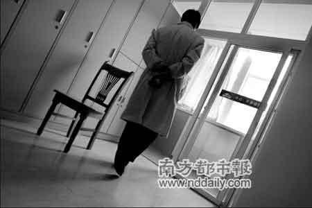 据同事反映,出事后卢医生情绪低落。 见习记者王子荣摄