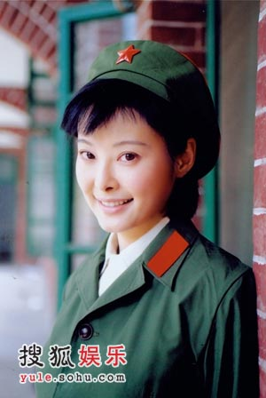 韩琳(袁立饰)