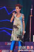 2007新城劲爆颁奖礼现场美图 卢巧音现场演唱