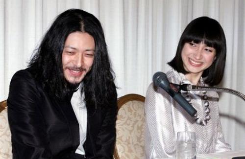 小田切香椎宣布结婚记者见面会