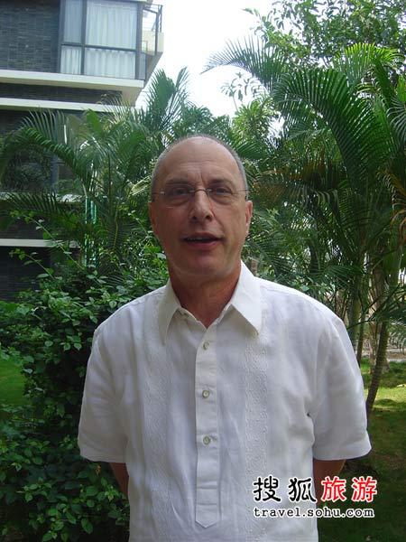 三亚亚龙湾铂尔曼度假酒店总经理衛大利(Mr Urs Wuthrich)