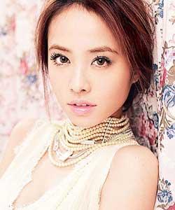 被称为台湾歌坛皇后的蔡依林也因成功隆胸名列第四 ...