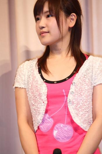 日本mm射图_图文:日本空手道美女娇嫩可爱 粉红色顿显妩媚
