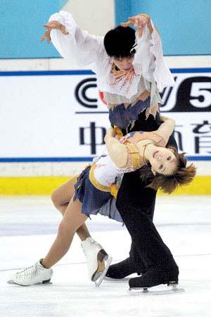 张丹、张昊在比赛中