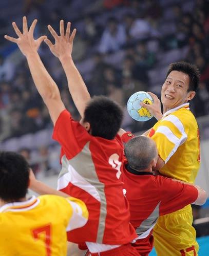 v手球手球图片体育壁球手球北京责任邀请赛(手球图解:王昊铎)[我好运编辑图片