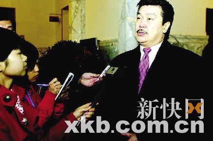 黄锦燊在接受记者采访。