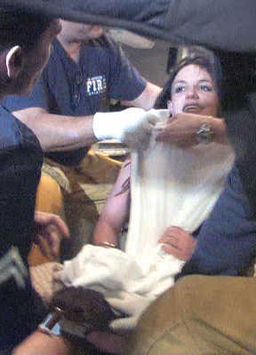 布兰妮上周四被强制送往医院。