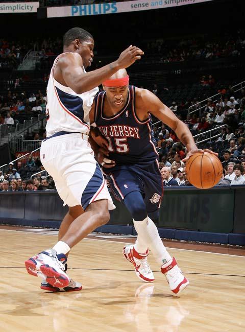 图文:[NBA]网VS老鹰 卡特左侧突破