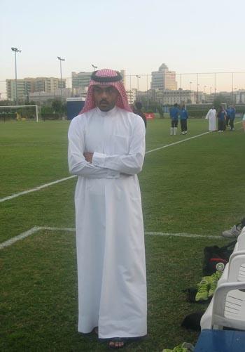 图文:国足迪拜首训 阿联酋球迷观看训练