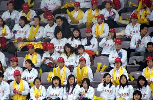 北京/图文:手球邀请赛北京女队胜北部观众热情加油