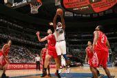 图文:[NBA]火箭VS奇才 贾米森挑战姚明