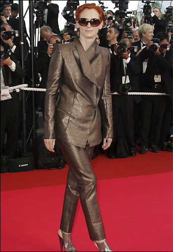 参加戛纳电影节 十三罗汉的首映典礼的蒂尔达-斯温顿