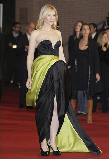 凯特-布兰切特身穿阿玛尼晚装参加罗马电影节