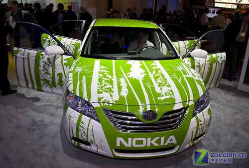 图为:丰田绿色环保油电混合动力汽车高清图片