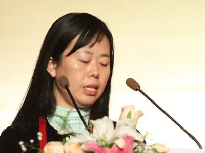 搜狐联席总裁兼首席营销官王昕为2007最佳企业公众形象颁奖典礼开奖