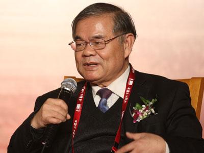 图:北京大学社会学系教授夏学銮参与论坛讨论