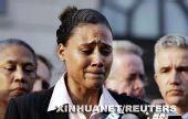 图文:琼斯被判刑六个月 接受采访难掩心中伤痛