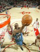 图文:[NBA]火箭战胜森林狼 杰弗逊低手上篮