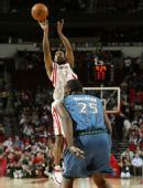 图文:[NBA]火箭战胜森林狼 海德跳投