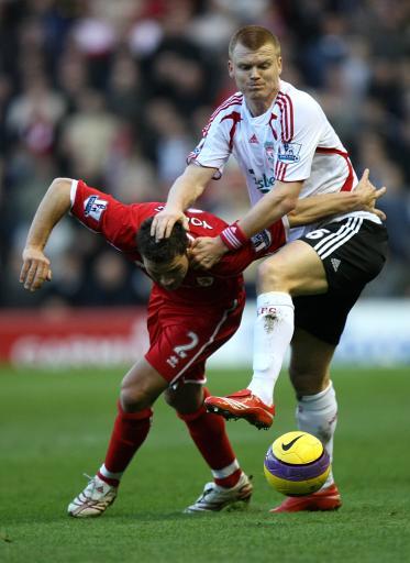 图文:[英超]米堡1-1利物浦 按住你的头