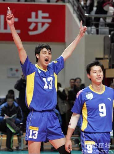 上海崔晓栋庆祝胜利