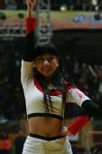 图文:CBA全明星高校拉拉队助兴 热舞点燃激情