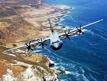 """美国C-130J""""超级大力神""""用途战术运输机(资料图片)"""