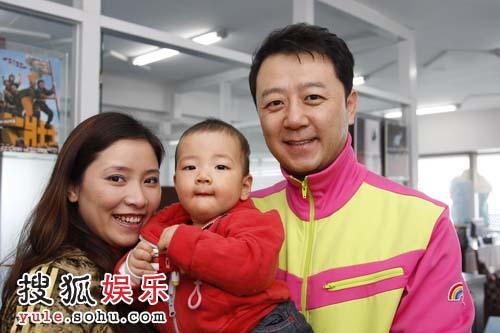 独家:探访郭涛一家的幸福生活 疯老爸与酷儿子