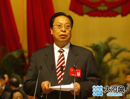 省十届人大常委会主任徐光春主持会议