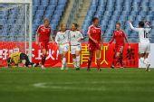 图文:[四国赛]美国VS加拿大 庆祝入球