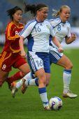 图文:[四国赛]中国VS芬兰 芬兰队员进攻