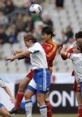 图文:[四国赛]中国2-0芬兰 王坤勇猛与对手争顶
