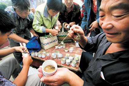 中国 北京 蛐蛐/蛐蛐玩家。(来源:法制晚报)