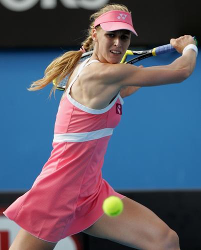 图文:澳网美女球衣五颜六色 粉红女郎德门蒂耶娃