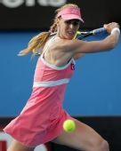 图文:澳网美女球衣五颜六色 粉红女郎德娃