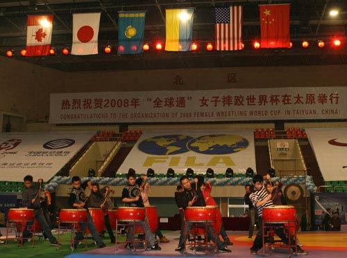 图文:女子摔跤世界杯筹备完毕 比赛场地全景