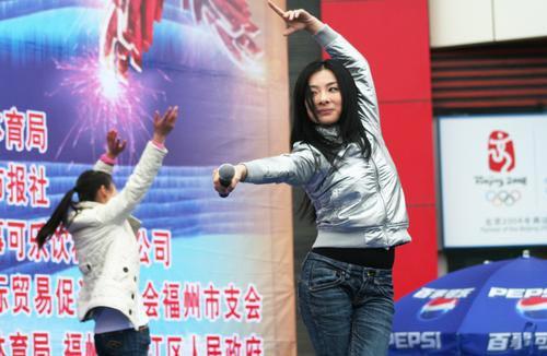 刘璇现场舞蹈秀
