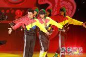 香港十大中文金曲颁奖礼现场 陈奕迅大展舞技