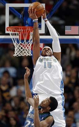 图文:[NBA]掘金胜森林狼 安东尼背后暴扣