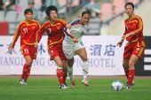 图文:[四国赛]中国0-1美国 毕妍贴身防守