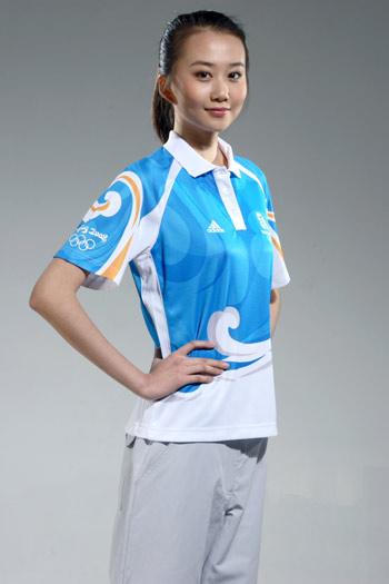 图文:北京奥运残奥制服发布 志愿者制服近照